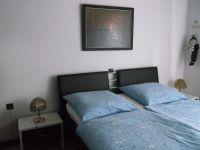 Doppelbett mit Wandschrank - Bild 5: Ferienwohnung in Kroatien /Kvarner Bucht